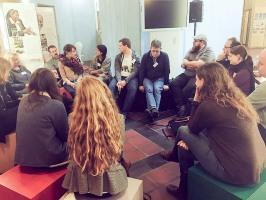 Diskussionsrunde Flüchtlingshilfe, Foto: Christian Scholz / mrtopf